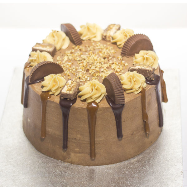 Snickers Reeces Cake