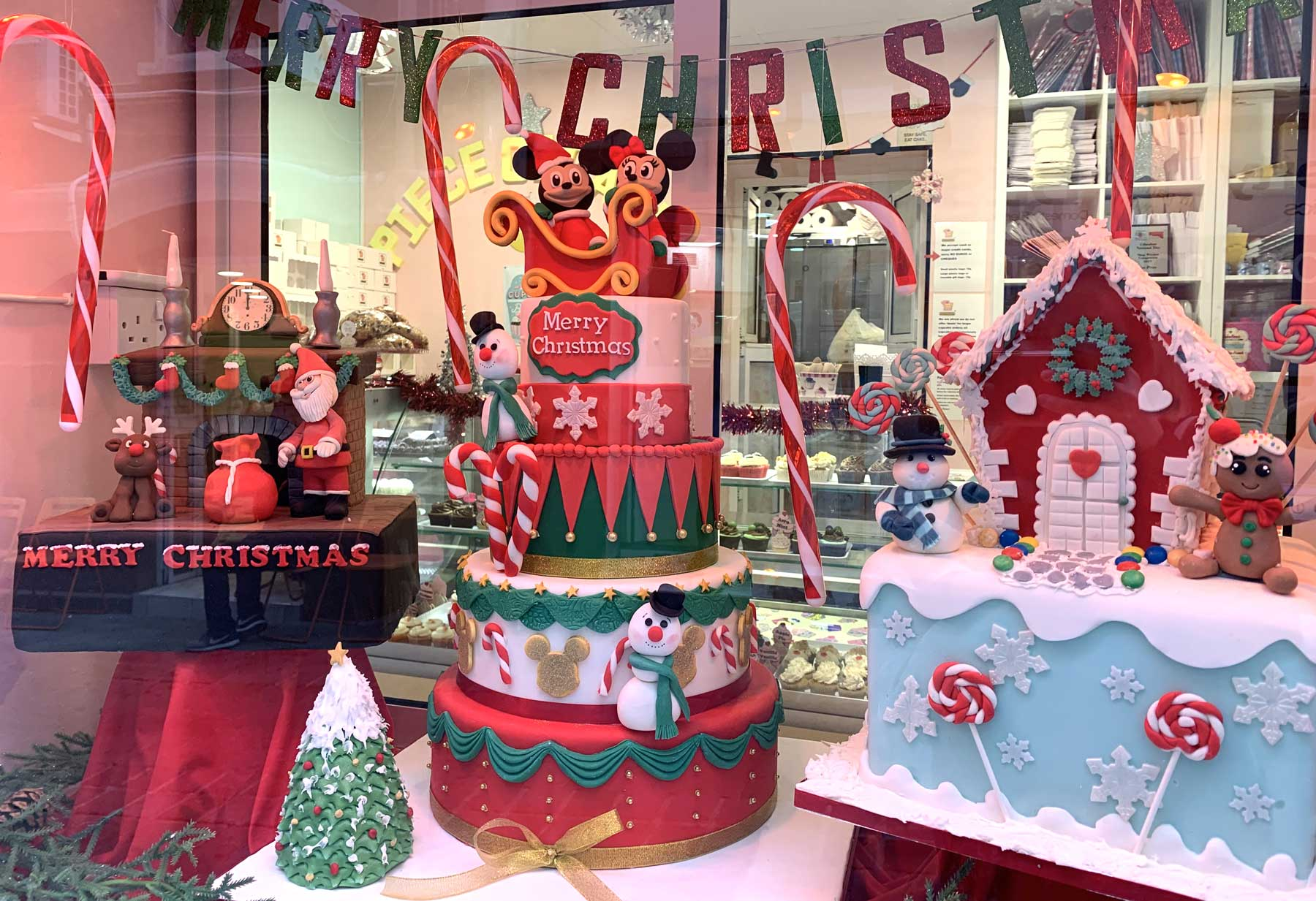 Piece of cake christmas window