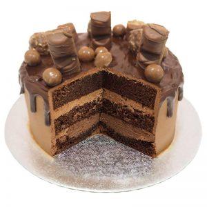Chocolate-overload-drip-cake-cut