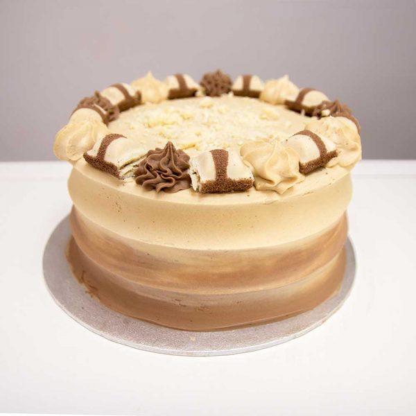 Kinder Bueno White Cake